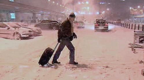 Na Ruzyni napadlo velké množství sněhu
