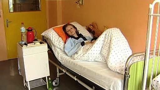 Pacientka na nemocničním lůžku