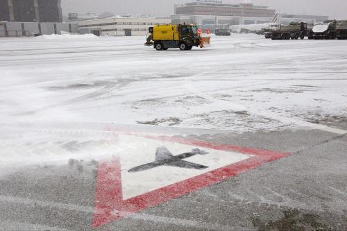 Sníh komplikuje leteckou dopravu