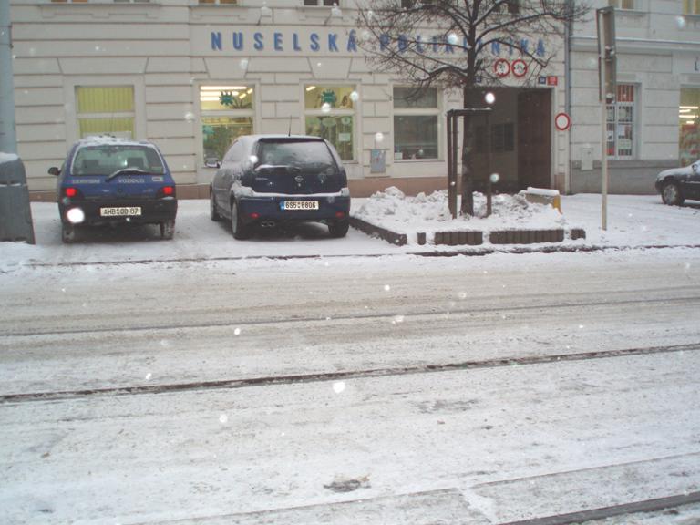 Sníh na pražských silnicích