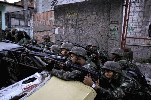 Vojáci proti drogovým gangům