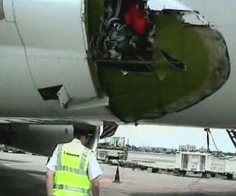 Díra v trupu letadla