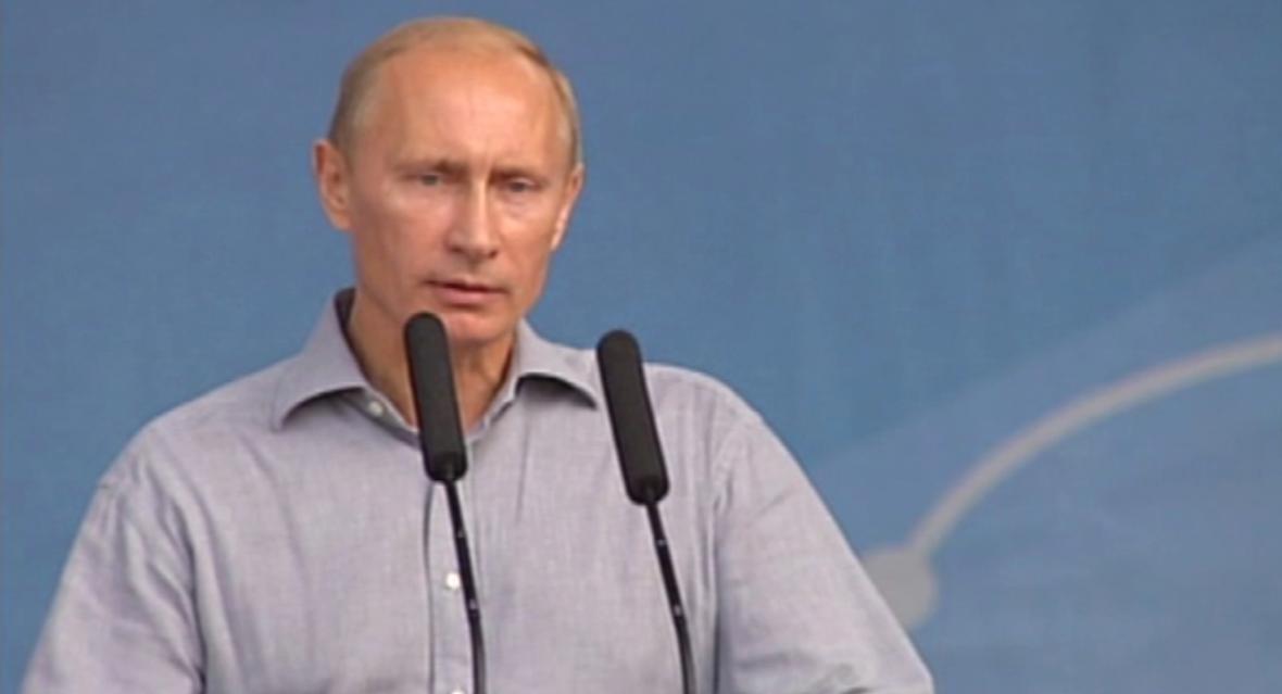 Vladimit Putin otevírá rusko-čínský ropovod