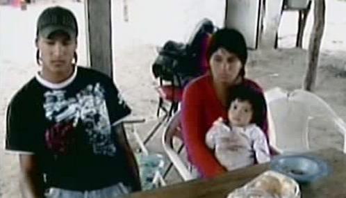 Syn znásilňované Argentinky s manželkou a dítětem