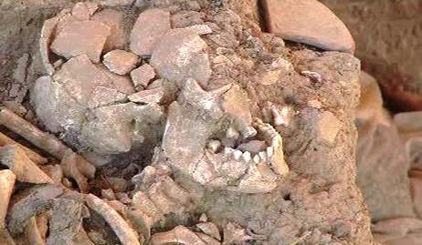 Hrob s urnami válečníků