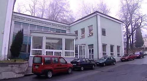 Sklářská škola v Šenově