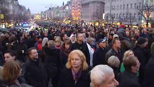 Demonstrace proti velké koalici na pražském magistrátu