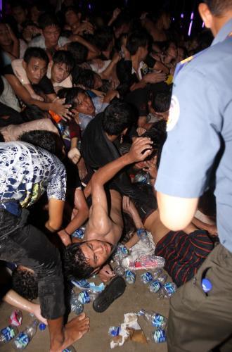 Zranění účastníci kambodžských oslav