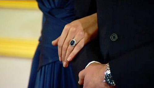 Kate Middletonová se zásnubním prstenem