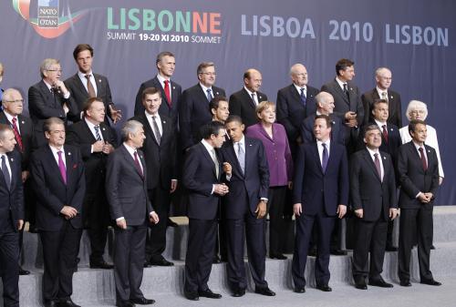 Světoví státníci na summitu NATO v Lisabonu