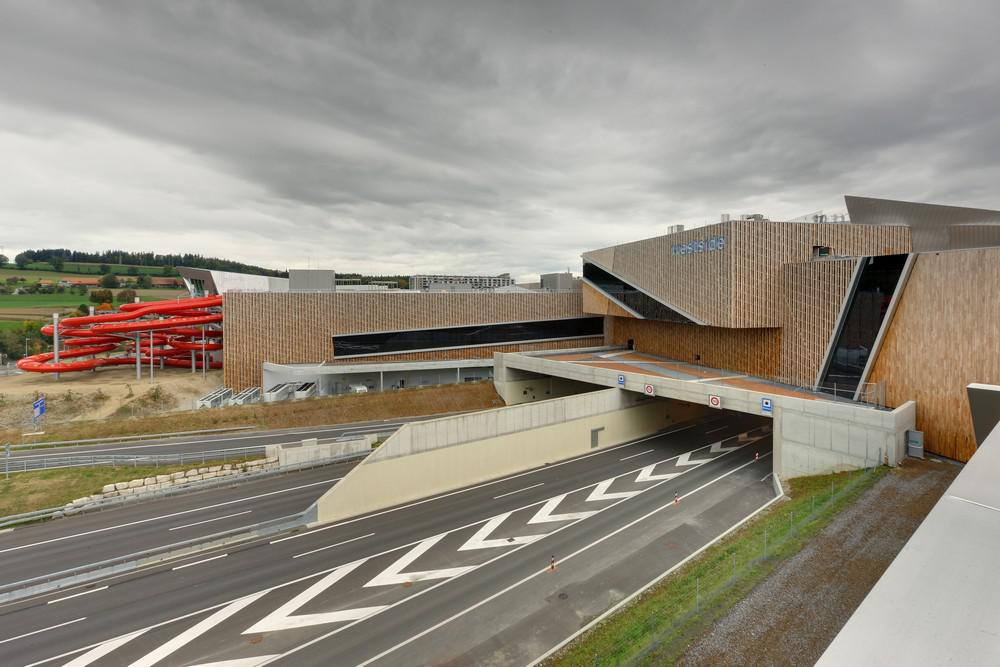 Daniel Libeskind / Westside Shopping and Leisure Centre