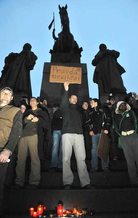 Protest proti velké koalici na pražském magistrátu