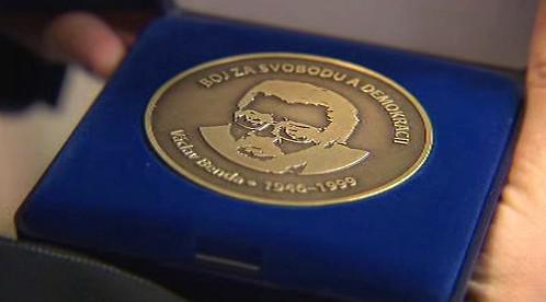 Medaile Za svobodu a demokracii Václava Bendy