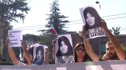 Protest proti popravě Sakíne Aštíaníové