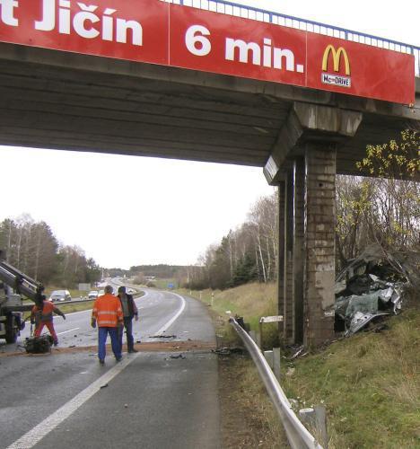 Nehoda na R10