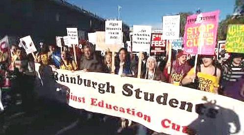 Protesty proti zvyšování školného