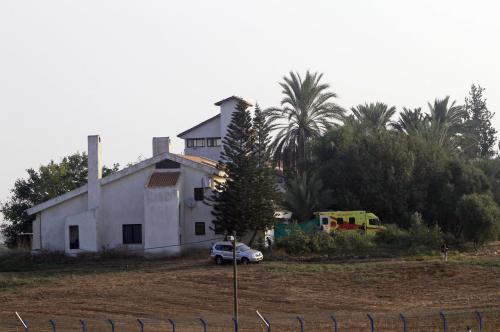 Ariel Šaron byl převezen na rodinnou farmu
