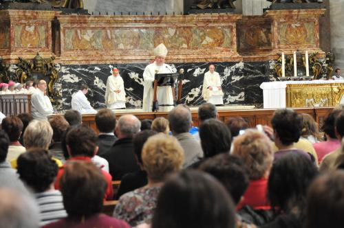 Dominik Duka sloužil ve vatikánském chrámu svatého Petra českou mši
