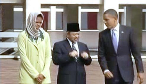 Barack Obama s manželkou na návštěvě Indonésie