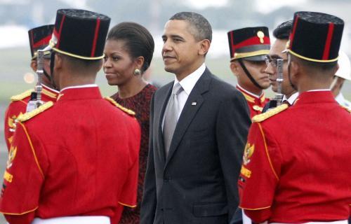 Barack Obama s manželkou Michelle v Indonésii