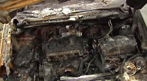 Vyhořelý motor auta