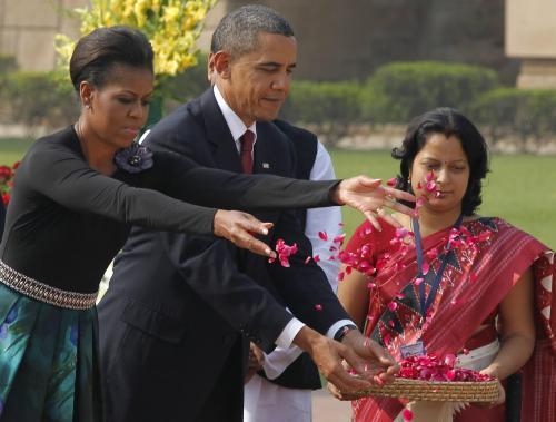Obamovi u Gándhího památníku