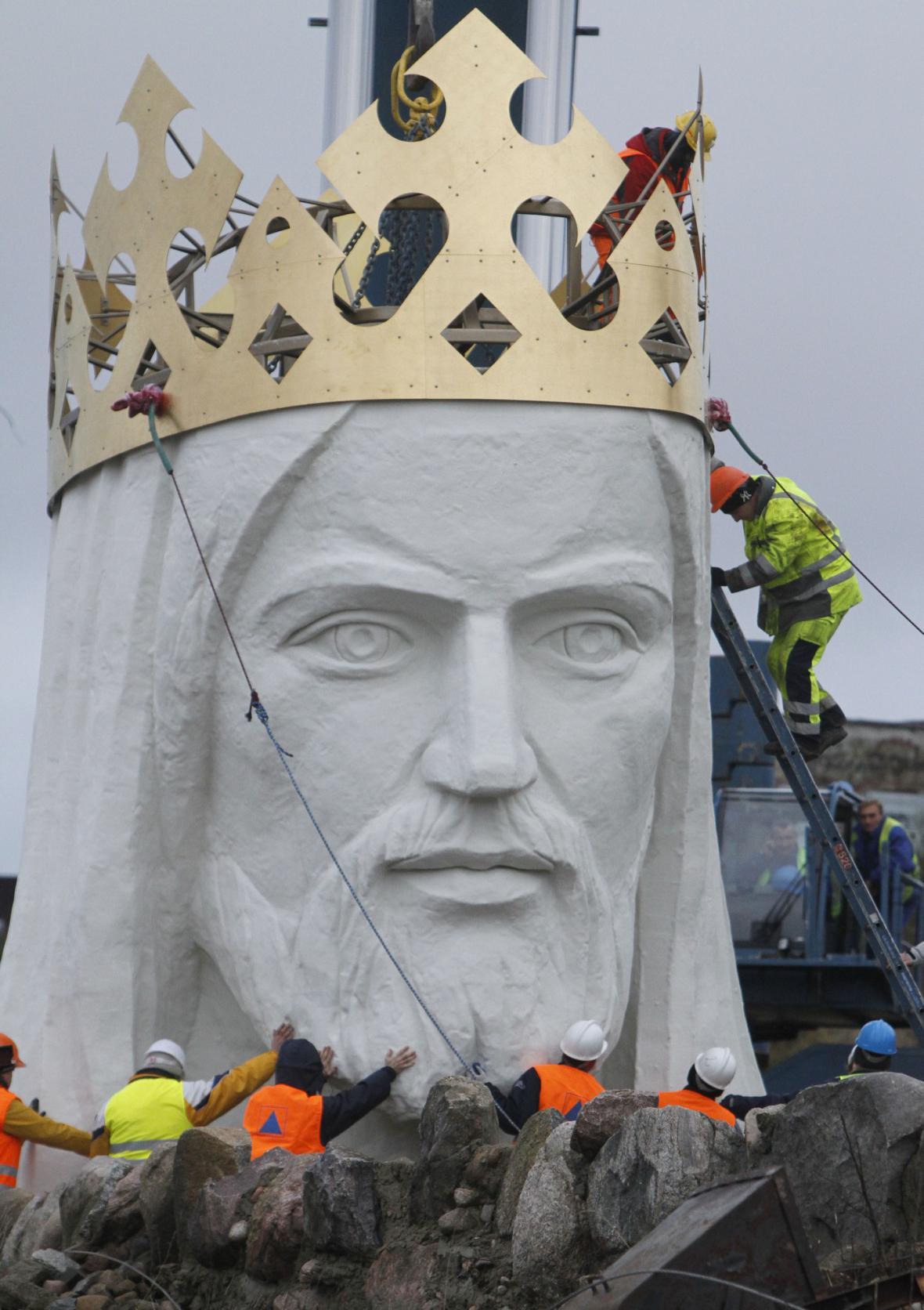 Polsko má největší sochu Ježíše