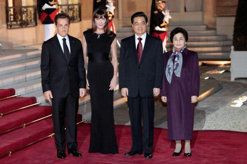 Francouzský a čínský prezident s manželkami