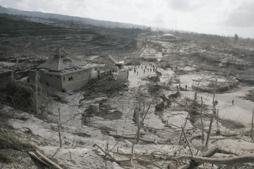 Vesnice zasypaná sopečným popelem
