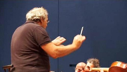 Izraelský komorní orchestr se svým šéfem Robertem Paternostrem