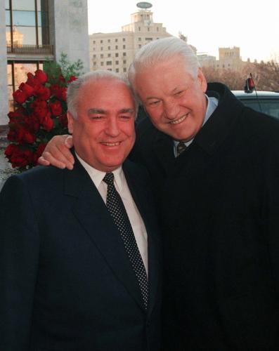 Viktor Černomyrdin s Borisem Jelcinem