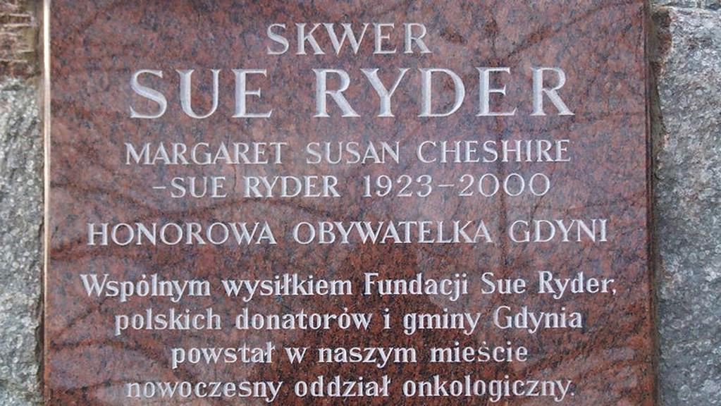 Pomník Lady Sue Ryderové v polském městě Gdyně