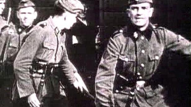 Příslušníci jednotek SS