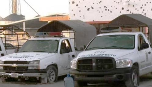 Rozstřílená policejní stanice v Los Ramones