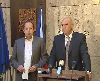 Ministr Julínek na TK k výsledku arbitráže
