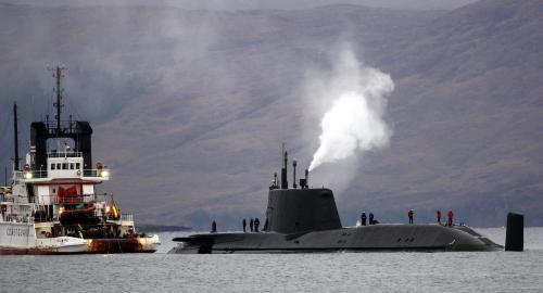 Uvízlá britská jaderná ponorka