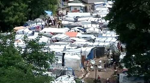 Tábor pro lidi bez domova na Haiti