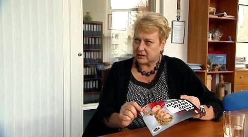 Liana Janáčková se svým letákem