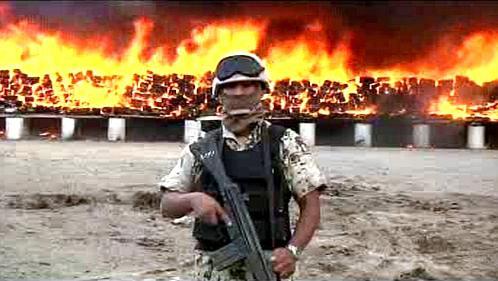 Mexická armáda likviduje zabavené drogy