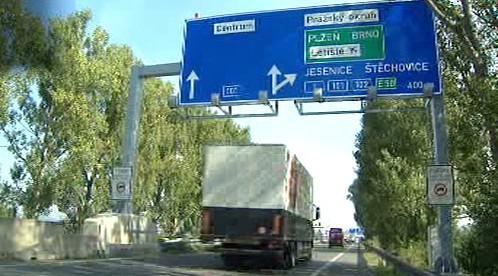 Značka upozorňující na Pražský okruh