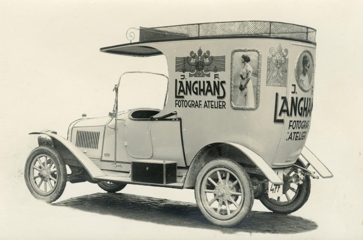 Reklamní automobil