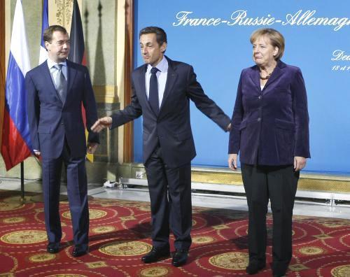 Dmitrij Medvěděv, Nicolas Sarkozy a Angela Merkelová