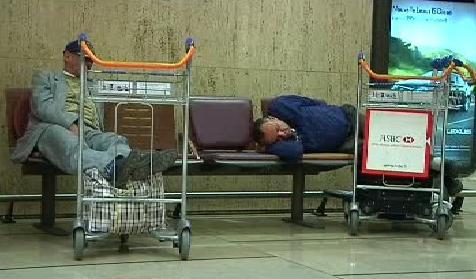 Cestující čekají na odlet