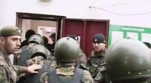 Policie zasahuje při útoku v čečenském parlamentu