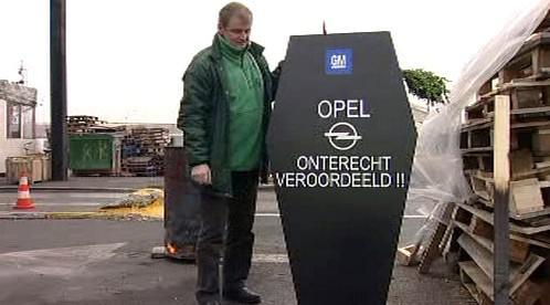 Nespokojený zaměstnaneci Opelu v Anverpách