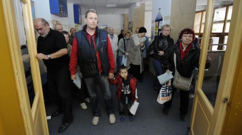 Čekající voliči