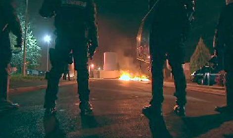 Policisté před zásahem