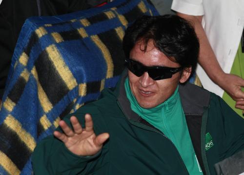 Předposlední evakuovaný horník Ariel Ticona Yanez