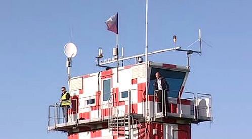 Kontrolní věž hradeckého letiště