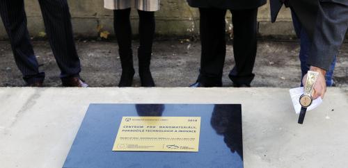 Poklepání na základní kámen nového areálu v Liberci